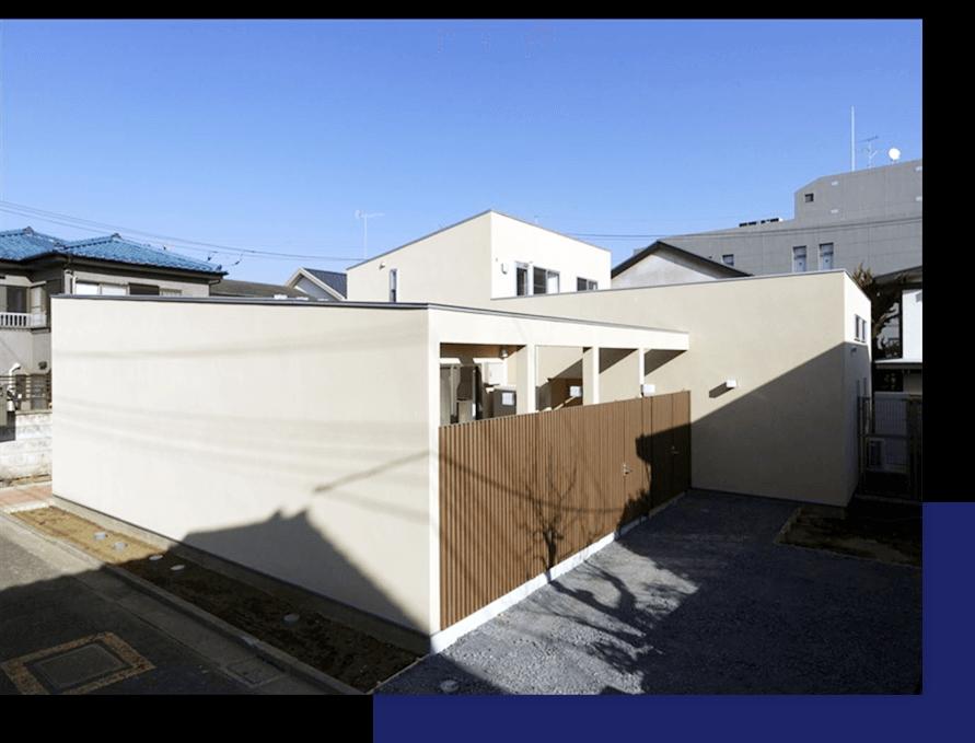 広い中庭がある過ごしやすい二世帯住宅