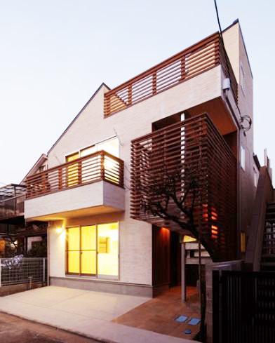 実用性をきわめた!驚きの収納がたっぷりの完全分離2世帯住宅