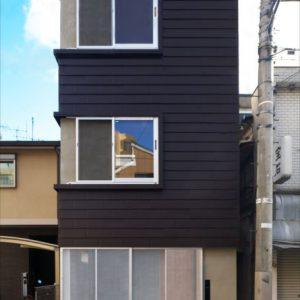 狭小2世帯の家