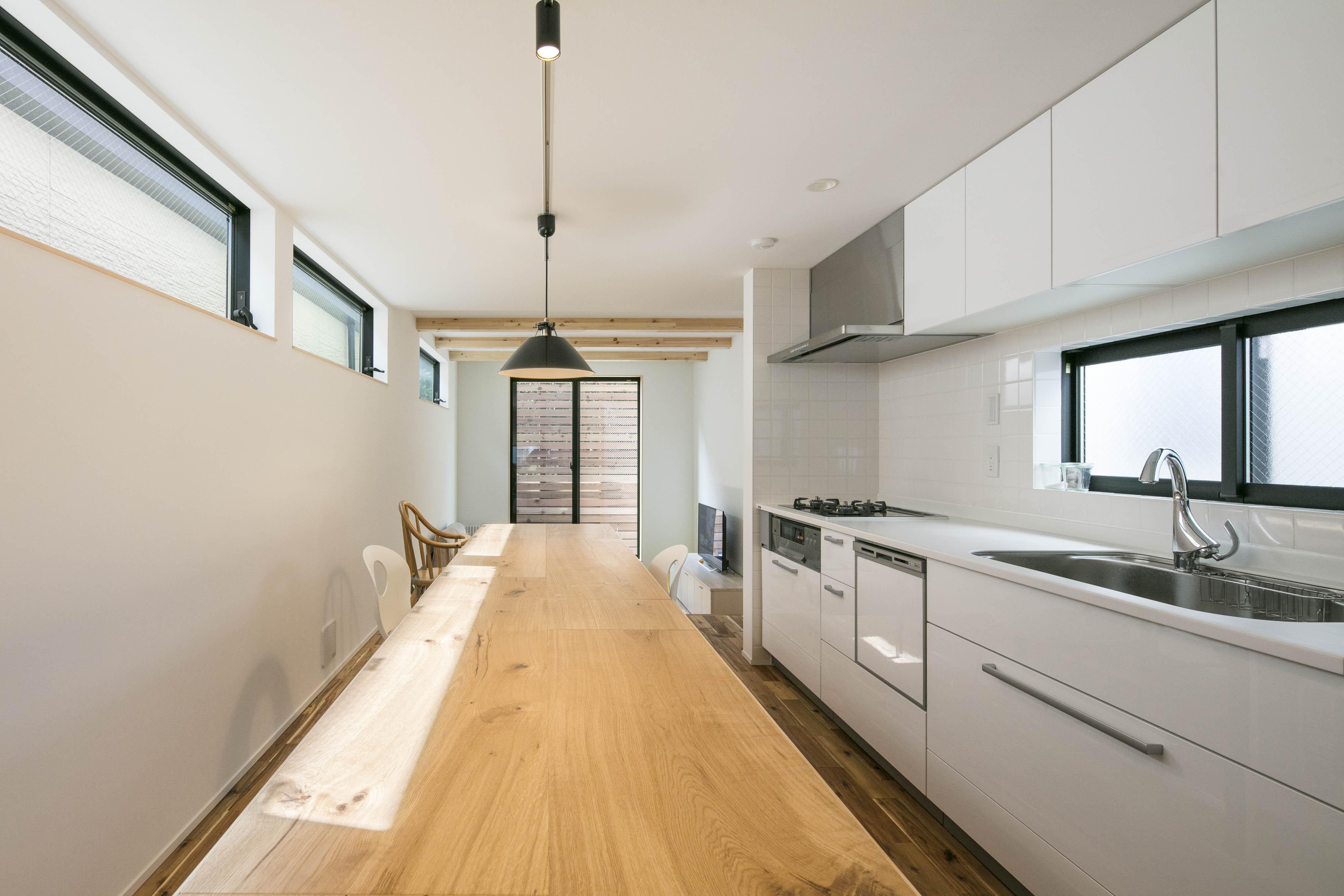 狭小住宅のキッチン